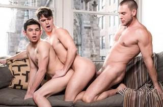 Hans Berlin Enjoys Double Boy-Hole From Devin Franco & Ricky Verez