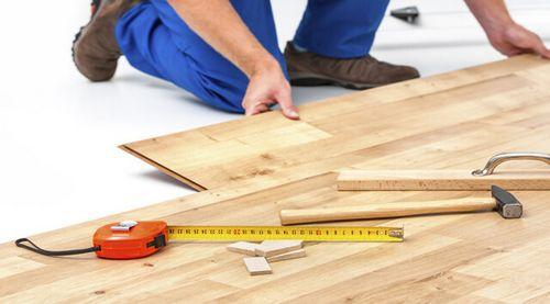 Как правильно положить ламинат на бетонный пол
