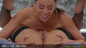 Luna Star, Gia Milana - Self Lick [720p]