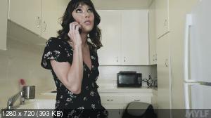 Vera King - Wet And Ready MILF Masturbation [720p]