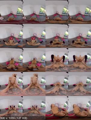 PerVRt: Mia Split (18yo Flexible Gymnaste / 10.11.2019) [Oculus | SideBySide] [2160p]