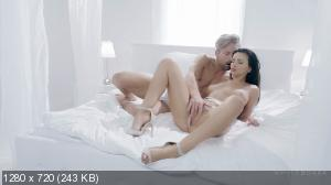 Alyssia Kent - Free Time Well Spent [720p]