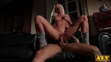 Lara De Santis - Horny Blonde On A Big Cock (2020) 1080p