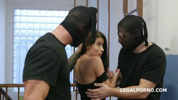 Masked Looters Vs Nicole Black Balls Deep Anal, Manhandle, Gapes, Facial GIO1323 (2020) FullHD 1080p